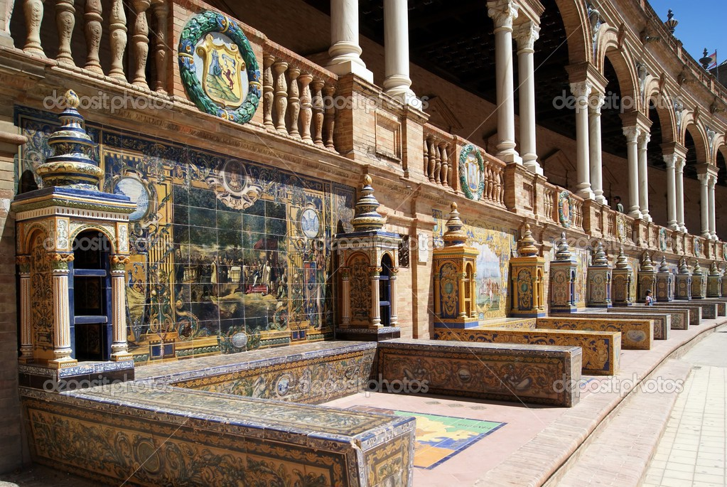 Detail of the tiles in Spain Square, famous building in Sevilla, Spain — Stock Photo #12236582