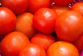 Red tomatoes at open air market — Foto de Stock