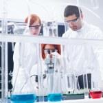 Chemistry laboratory experiments — Stock Photo
