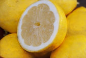 Organic lemons — Stock Photo