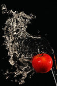 Apple encharcado com água — Foto Stock