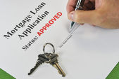Hand Signing An Approved Real Estate Mortgage Loan Document — Stock Photo
