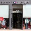 Tommy Hilfiger fashion store — Stock Photo