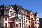 Mainz - town in Rhineland-Palatinate region of Germany. Old decorative houses at the main city square. — Fotografia Stock