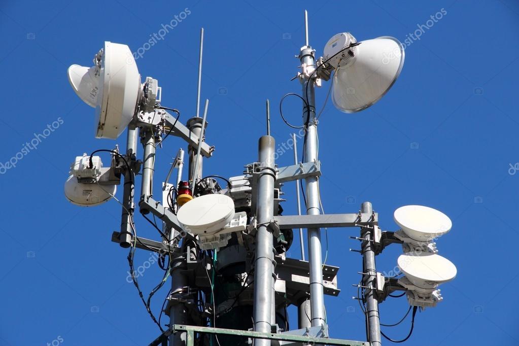 无线输电塔 — 图库照片