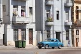 Old car in Cuba — Stock Photo