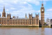 Palace of Westminster with Big Ben clock tower — Stock Photo