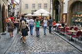 People visit Old Town on August 3, 2008 in Prague, Czech Republic. — Stock Photo