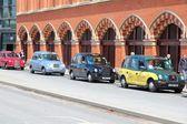 řidiči taxi čekat na zákazníky — Stock fotografie