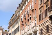 Street view of Mediterranean architecture in Rome, Italy — Stock Photo