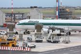 Airbus a321 da alitalia — Fotografia Stock