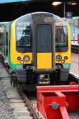 London Midland train — Stockfoto