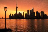 Shanghai lujiazui del horizonte de nubes rosadas city amanecer — Foto de Stock