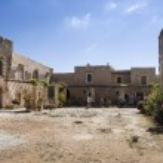 Arkadi monastery courtyard — Stock Photo