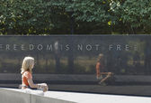 Memorial war monument of freedom — Stock Photo