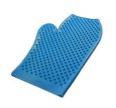 Blue rubber mitten for cleaning horse isolated — Foto de Stock