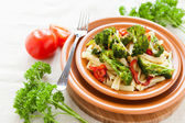 Nutritious Pasta with roasted vegetables broccoli and pepper — Stock Photo
