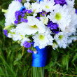 Wedding bouquet in blue and white — Stock Photo