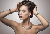 Brunette woman with cute hairdo — Stock Photo