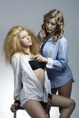 Sexy Portrait von zwei Mode-Mädchen — Stockfoto