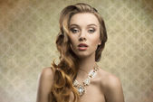 Sensual fashion aristocratic girl — Stock Photo