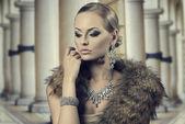 Aristocratic sensual fashion woman — Stock Photo