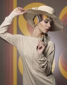 Girl with elegant fashion style — Stock Photo