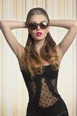 Lunettes de soleil femme fashion — Photo