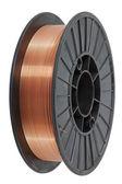 Fio de cobre na bobina, isolado no fundo branco, com clippi — Foto Stock