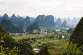 Wieś w dolinie — Zdjęcie stockowe