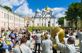 Celebrating the Day of Russia in Novgorod Kremlin — Stock Photo