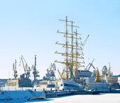 Port w zimie — Zdjęcie stockowe