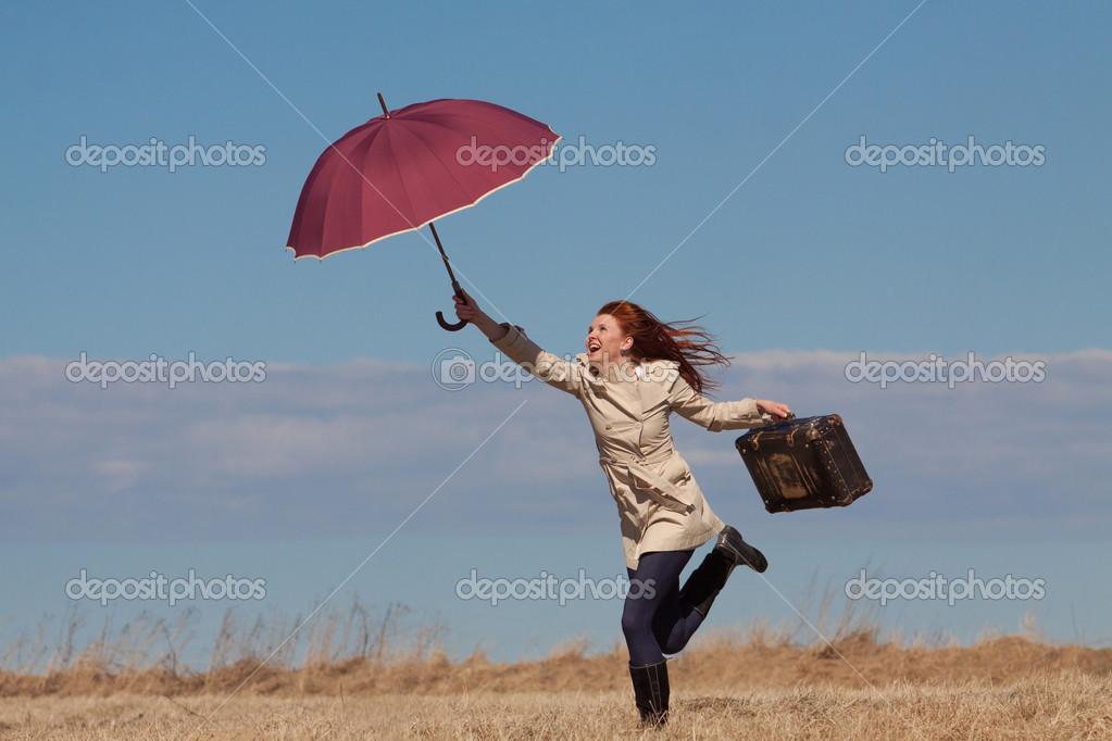 MI BLOC, QUE NO BLOG - Página 3 Depositphotos_45021477-Girl-with-vintage-bag-and-umbrella