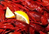 Crawfish and lemon snack — Stock Photo