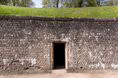 La pared de ladrillo en el anfiteatro romano — Foto de Stock