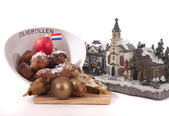 Traditional Dutch oval-shaped fruited Christmas bread loaf — Stock fotografie