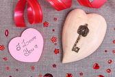 Walentynki karty z drewnianym sercem — Zdjęcie stockowe