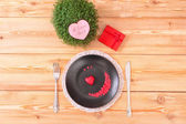 Menu du jour saint-valentin sur la table en bois — Photo