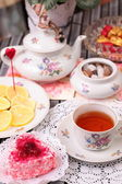 Warm cup of tea and sweets — 图库照片