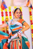 Donna indiana danza — Foto Stock