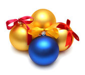 リボンでクリスマス ボール — ストック写真
