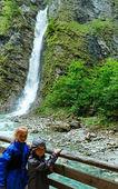 Children and Liechtensteinklamm gorge (Austria) — Stock Photo