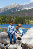 Strbske Pleso (Slovakia) spring view and family — Foto de Stock