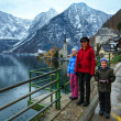 Family in Hallstatt town  (Austria). Winter view.  — Stock Photo