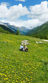 Children on summer mountain meadow (Alps, Switzerland) — Stock Photo