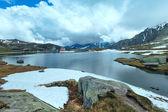 Alps mountain lake — Stock Photo
