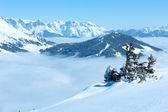 Paisaje de montaña de invierno nublado — Foto de Stock