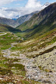 Summer Alps mountain pass — Stockfoto