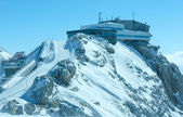 Winter Dachstein mountain view and upper station cable car — Stock Photo