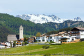 Summer Alpine village view (Italy) — Foto Stock
